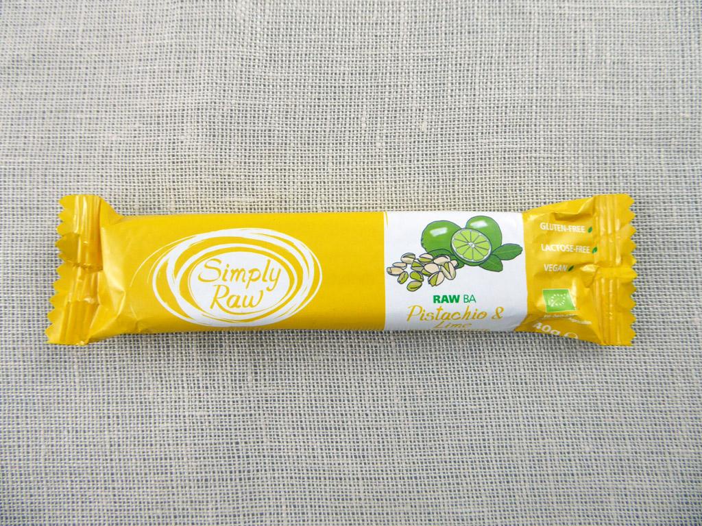 Batonėlis Simply Raw: Pistachio & Lime (Pistacijos ir žalioji citrina), 40 g
