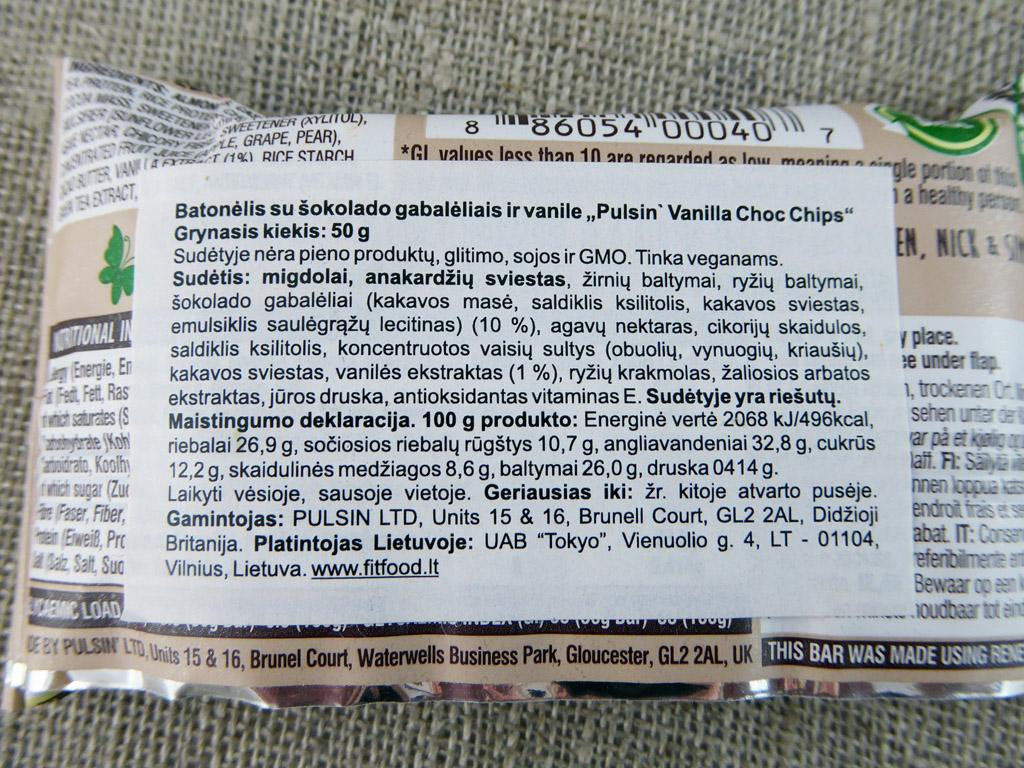 """Batonėlis """"Pulsin: Vanilla Choc Chip Protein Snack"""" (Su šokolado gabalėliais ir vanile)"""