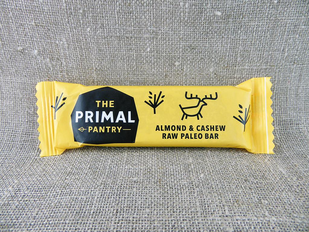 """Batonėlis """"The Primal Pantry: Almond & Cashew"""" (Migdolai ir anakardžiai)"""