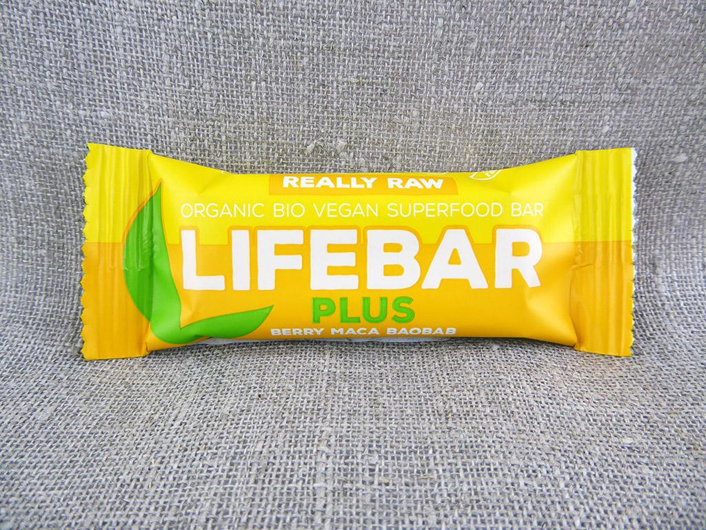 """Batonėlis """"Lifebar: Plus — Berry Maca Baobab"""" (Uogų batonėlis su maca ir baobabu)"""